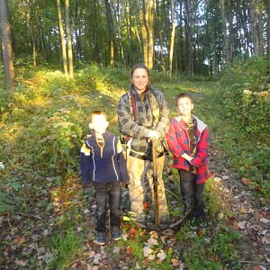 melissa_and_the_boys_deer_hunt_003